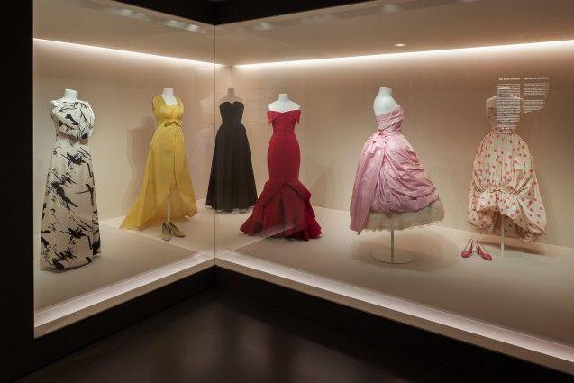 Kleider der 1960er-Jahre in der Modegalerie des Kunstgewerbemuseums. Foto: Achim Kleuker
