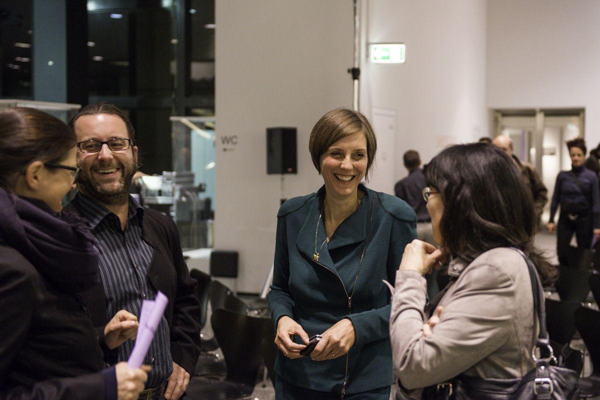 Agnes Wegner ( 2.v.R.) bei der Eröffnung der Probebühne 3. Foto: Sebastian Bolesch