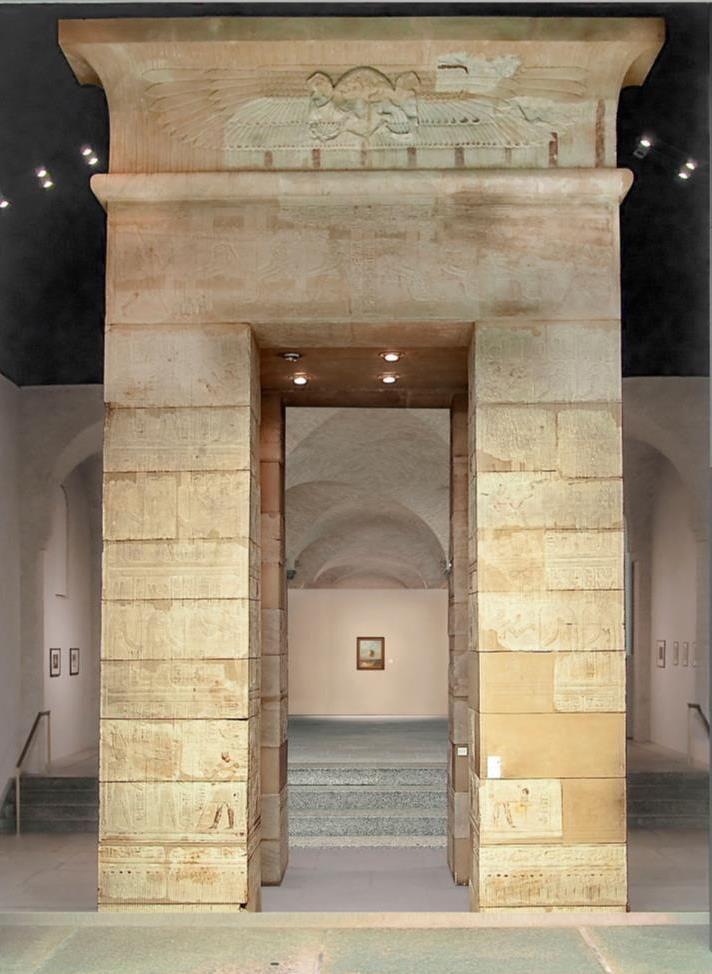 Das ägyptische Kalabscha-Tor in der Sammlung Scharf-Gerstenberg © bpk/Nationalgalerie SMB, Sammlung Scharf-Gerstenberg. Foto: Hans-Christian Krass