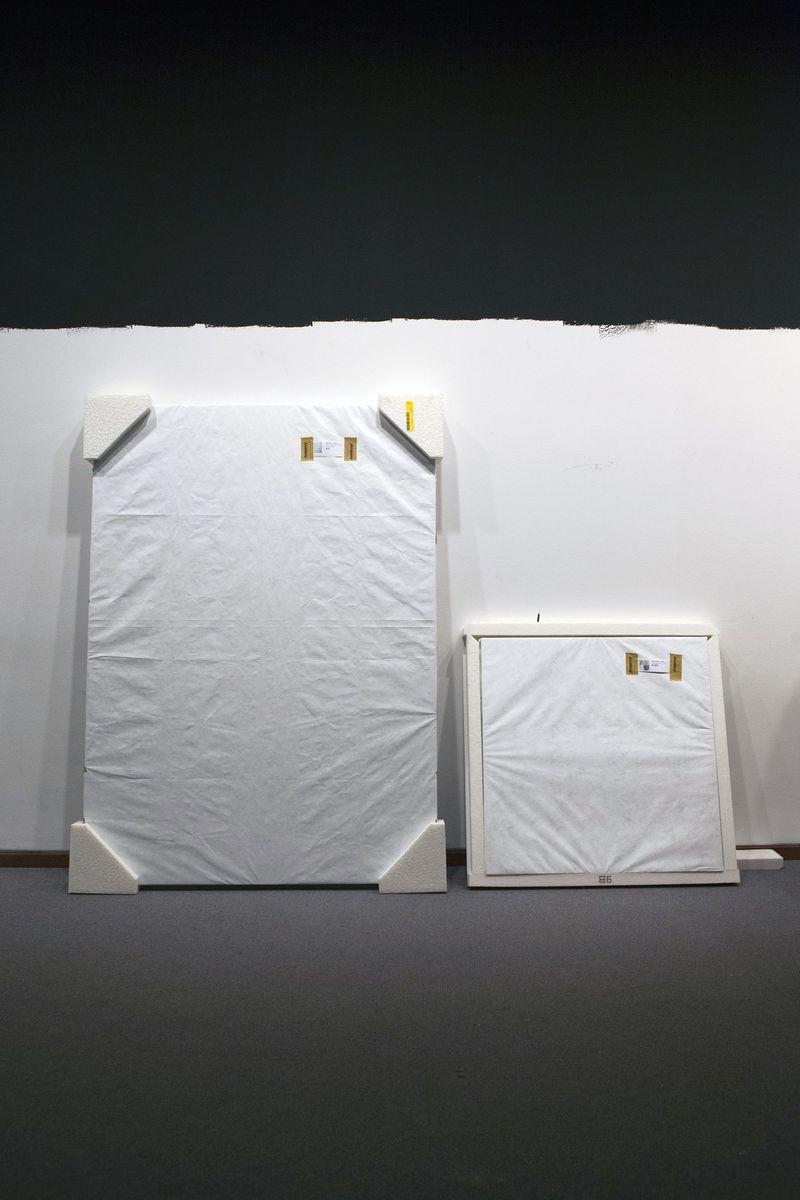 Sämtliche Kunst wird aus den Räumen der Neuen Nationalgalerie abtransportiert, bevor die tatsächlichen Bauarbeiten beginnen. Foto: Juliane Eirich