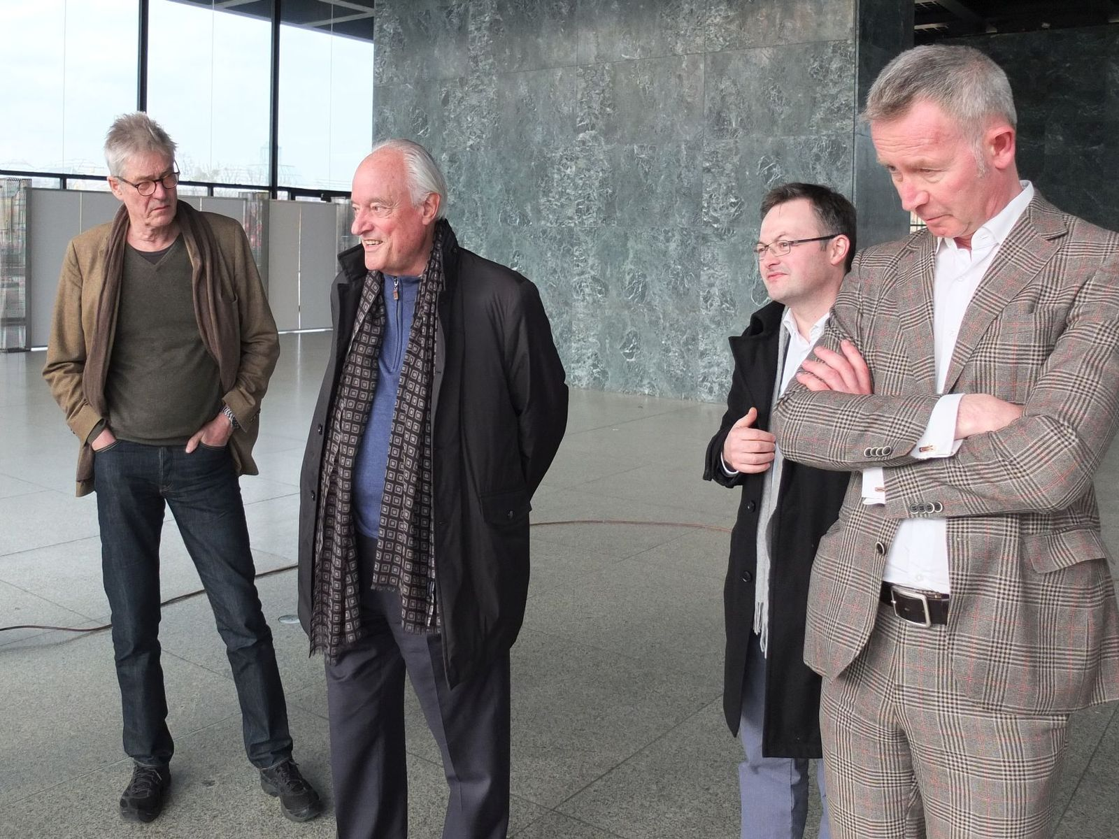 Der Architekt Dirk Lohan zu Besuch in der Neuen Nationalgalerie 2016. Foto: schmedding.vonmarlin.