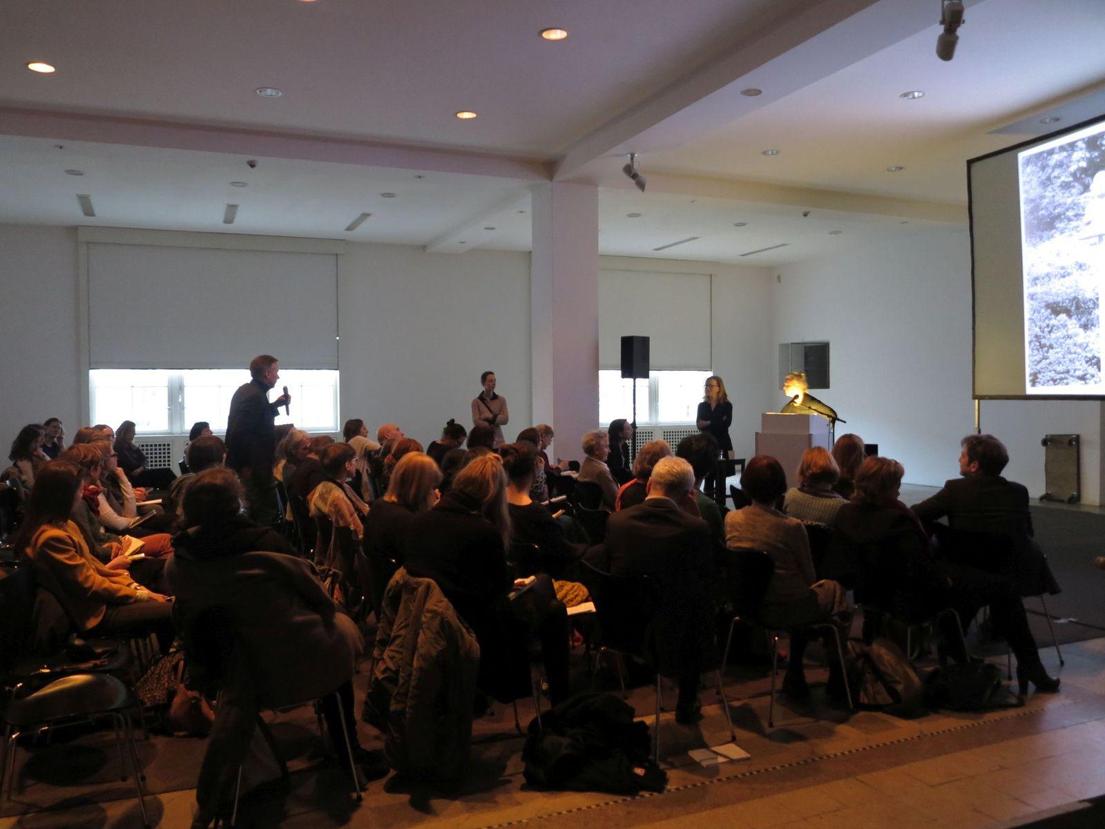 Diskussionsrunde, Foto: Ida Havemann