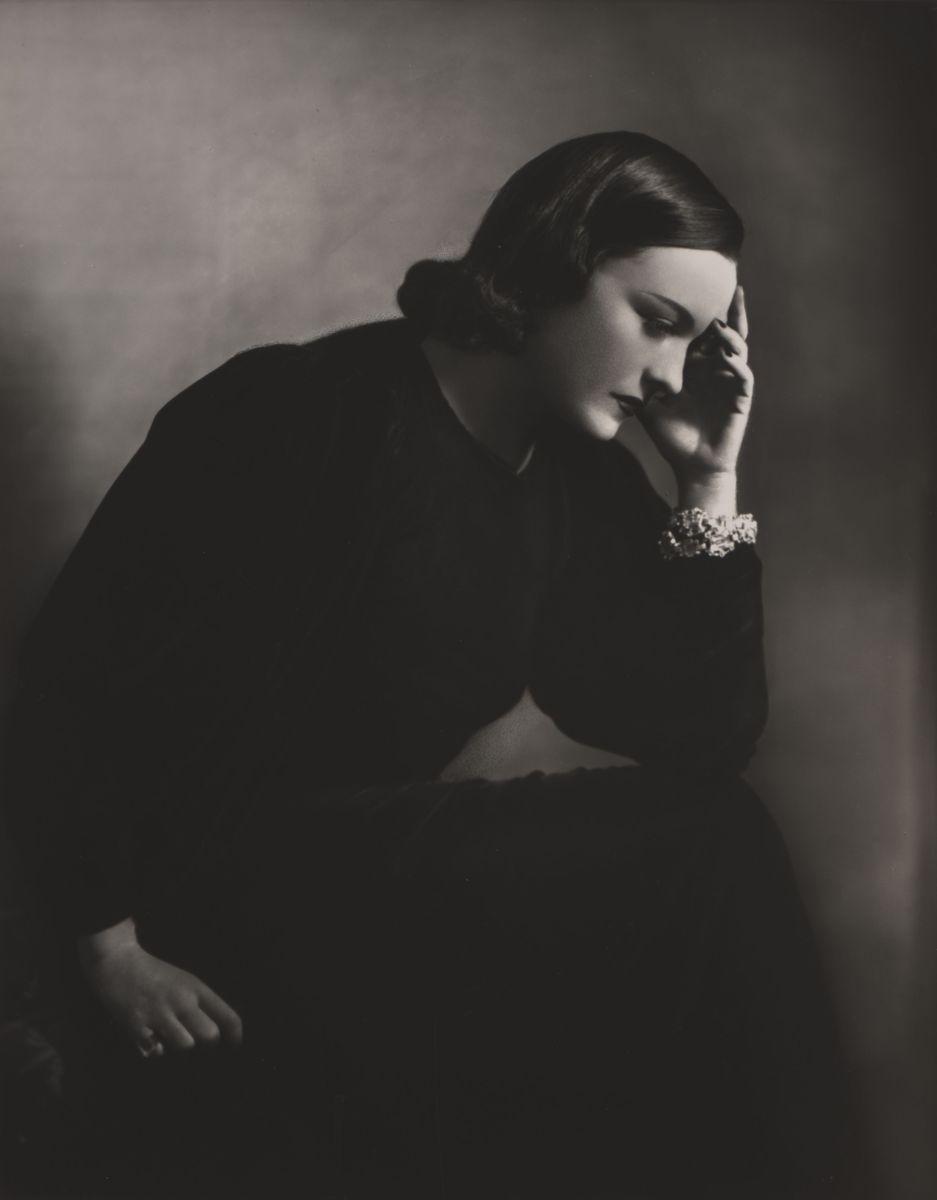 Brigitte von Klitzing (*1914) Pola Negri, 1937-1938  Silbergelatinepapier, Schenkung der Fotografin 2010 (c) Staatliche Museen zu Berlin, Kunstbibliothek
