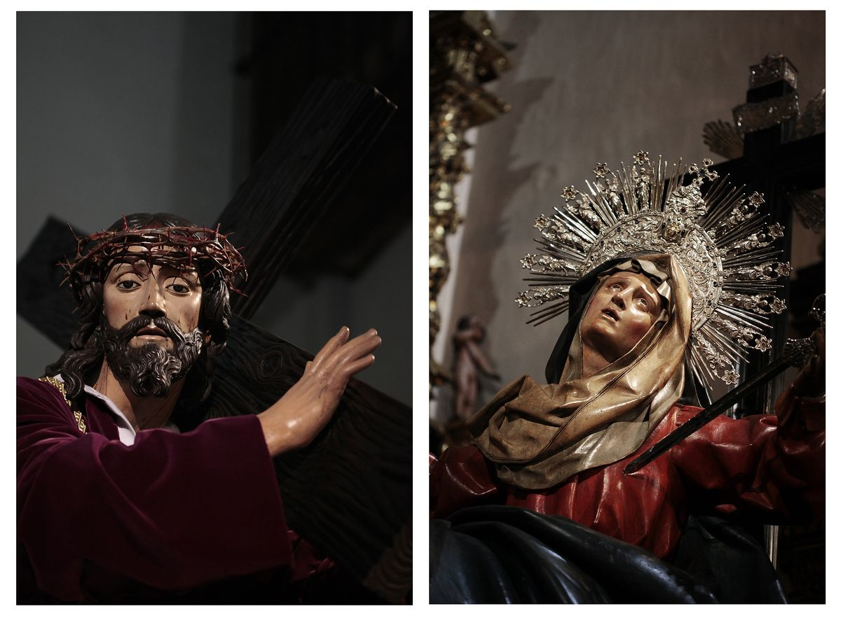 "Left: ""Ntro. Padre Jesús con la Cruz a cuestas"" (author unknown, S.XVII), Right:""Dolorosa de la Vera-Cruz"" (Gregorio Fernández, 1623)"