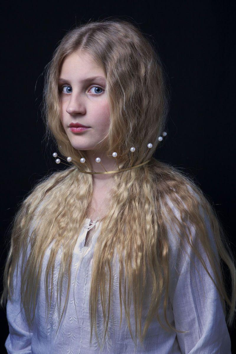 Kerstin Mayer Halsschmuck Perlenreif Gold, Süßwasserperlen, 2005 Foto: René Arnold