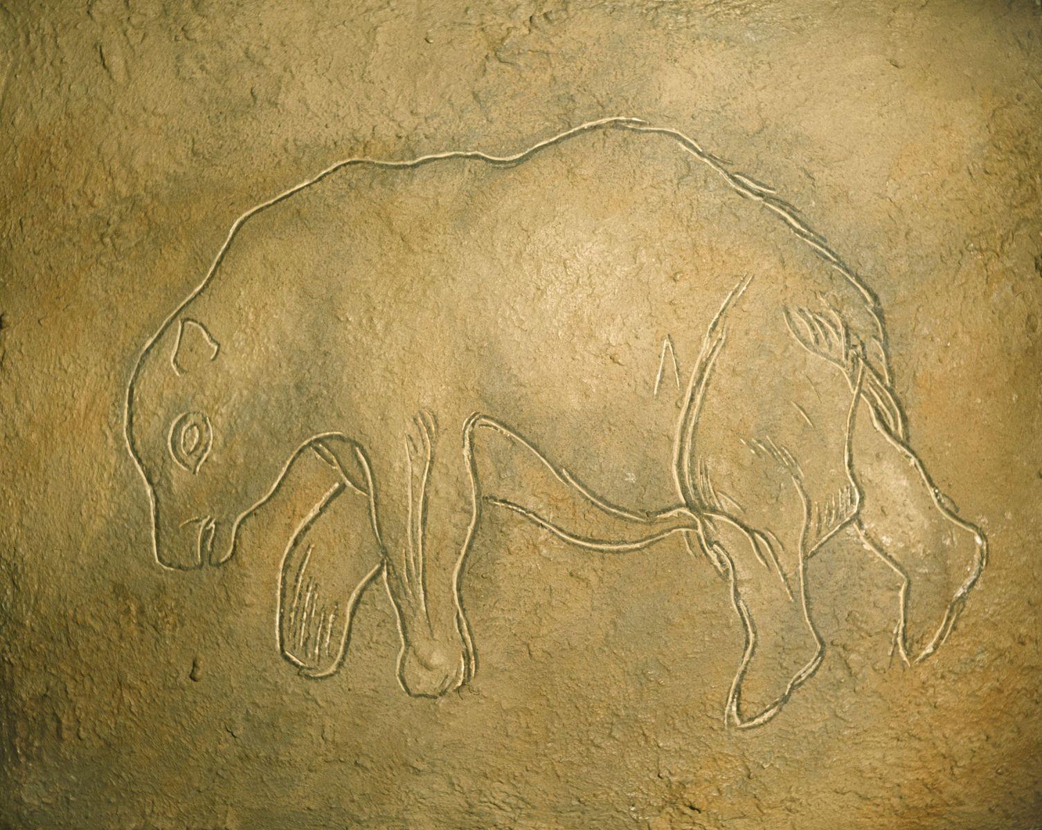 Nachbildung einer Gravierung eines Bären nach einem Original aus der Höhle von Les Combarelles, Les Eyzies, Dordogne, Frankreich, um 12 000 v. Chr., Mittleres Magdalénien (c) bpk / Museum für Vor- und Frühgeschichte, SMB / Jürgen Liepe