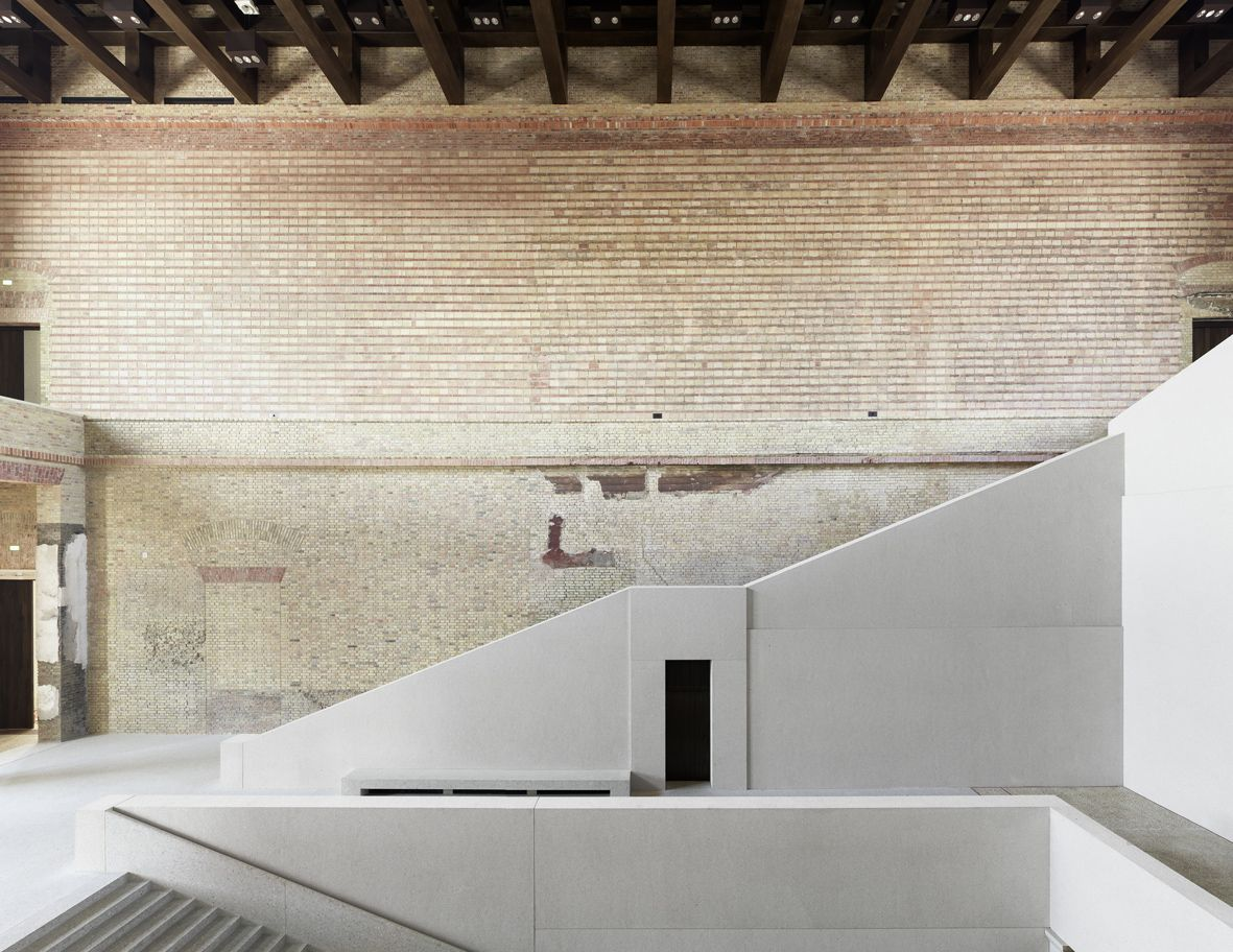 Die Treppenhalle im Neuen Museum  © SPK / David Chipperfield Architects, Foto Jörg von Bruchhausen