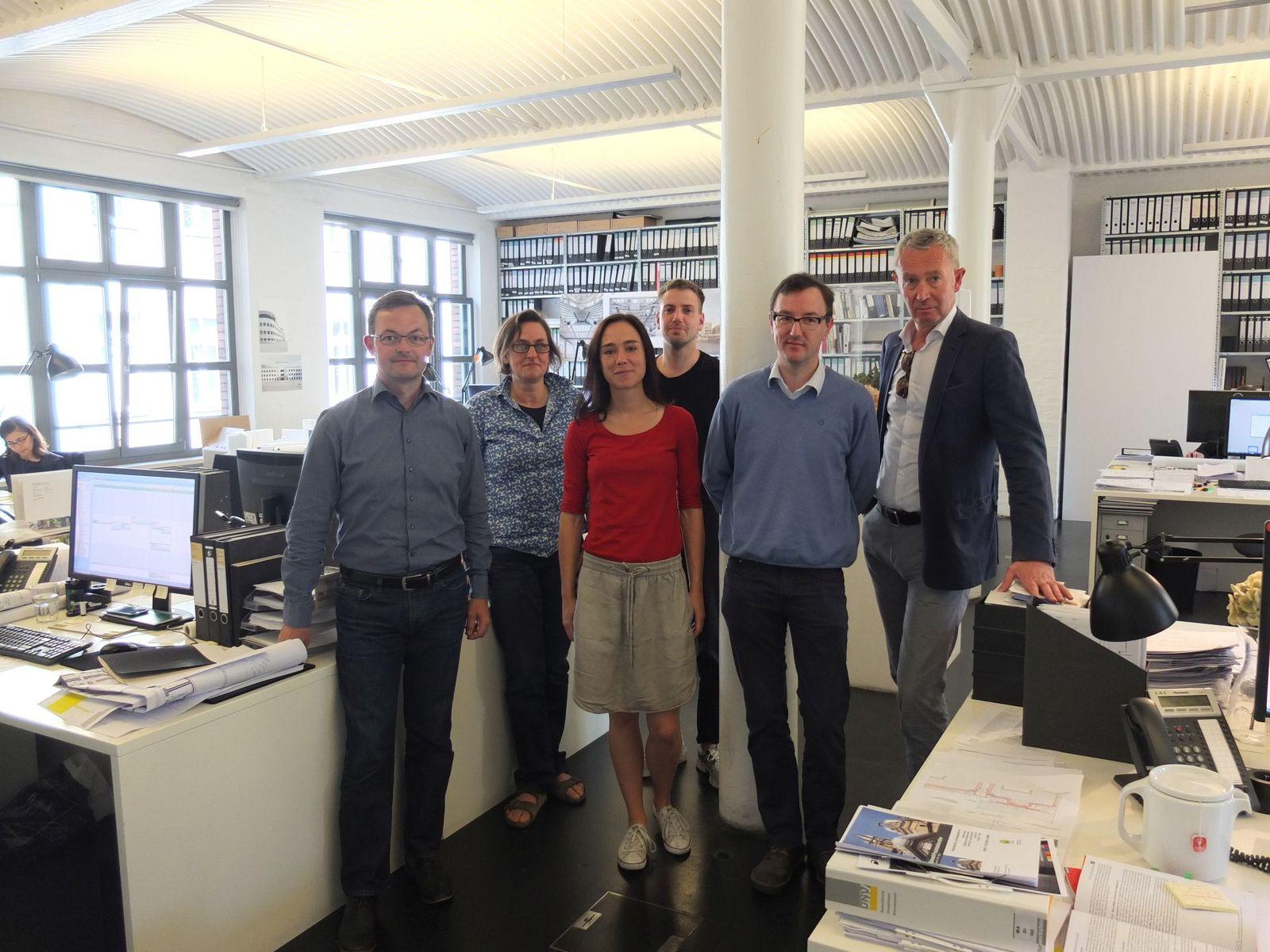 Das Projektteam für die Neue Nationalgalerie im Büro von David Chipperfield Architects. Foto: schmedding.vonmarlin.
