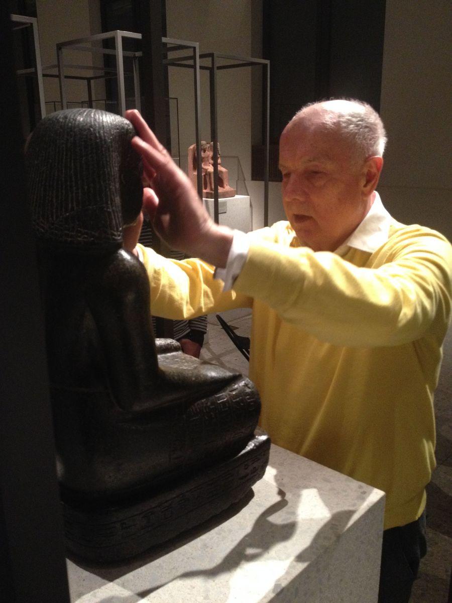 Blindenführungen im Ägyptischen Museum und Papyrussammlung. © Staatliche Museen zu Berlin