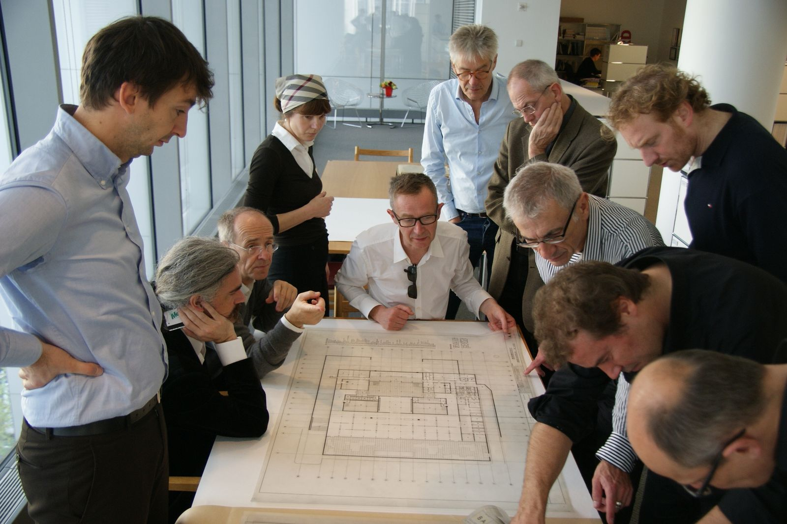 Das Projektteam studierte Originalpläne von Mies im Archiv des MoMA in New York. © David Chipperfield Architects