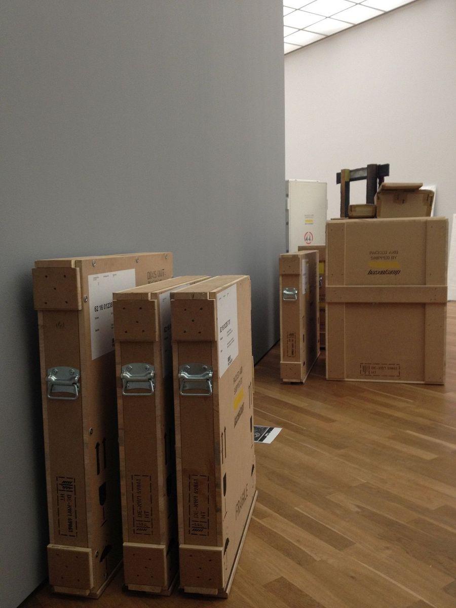 Die verpackten Kirchner-Arbeiten warten auf ihren Transport. Foto: Marie Förster, Nationalgalerie