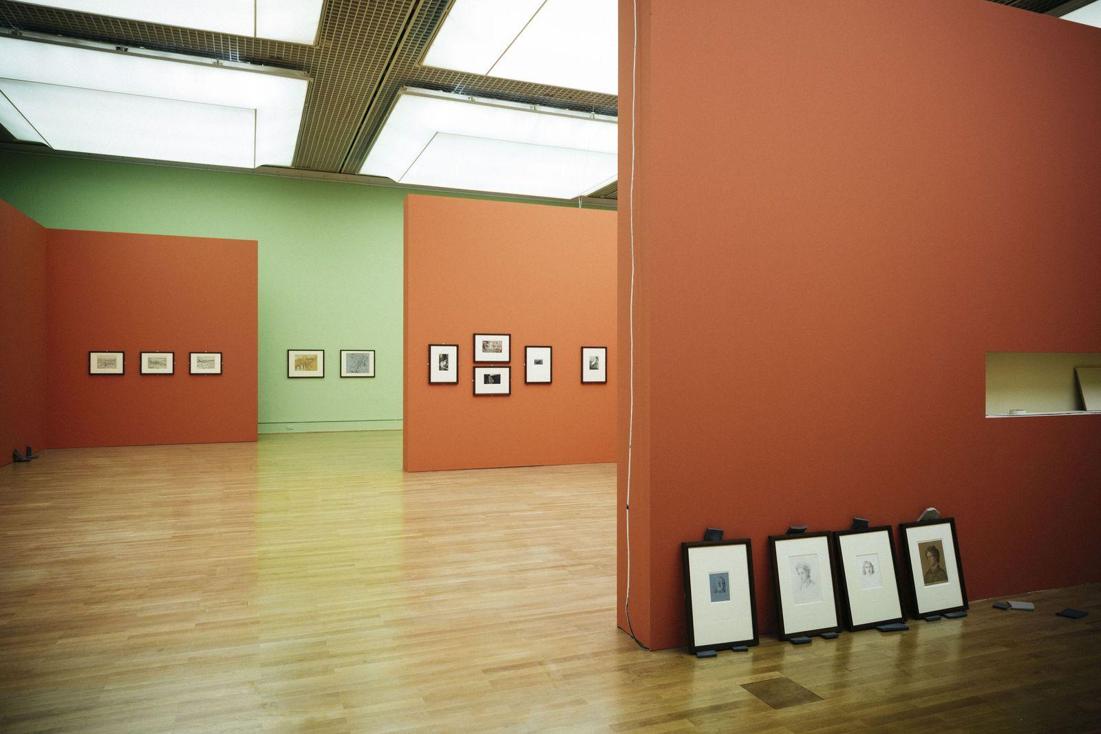 """Die Ausstellung """"Romantik und Moderne"""" im Kupferstichkabinett wird aufgebaut. Foto: Daniel Hofer"""