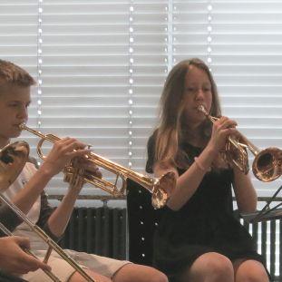 Schüler musizieren mit dem AsianArt Ensemble im Museum für Asiatische Kunst. (c) Museum für Asiatische Kunst
