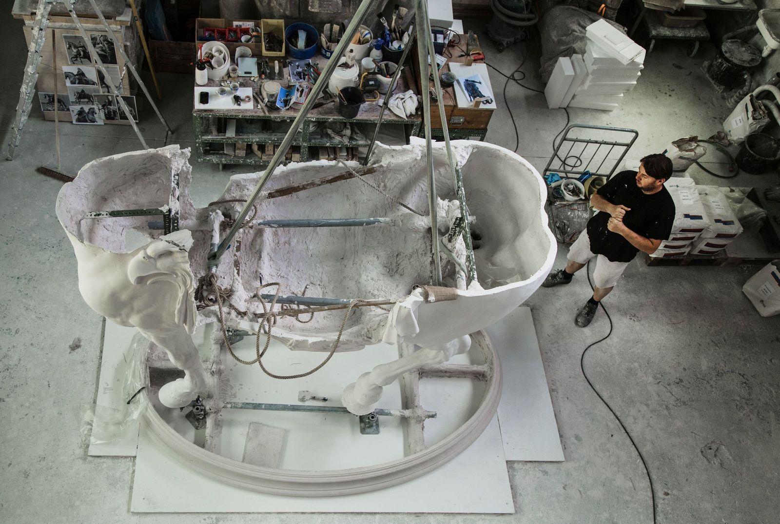 Ein massives Stahlgerüst sorgt im Innern der Gipsfigur für Stabilität. Foto: Fabian Fröhlich