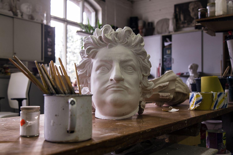 Der Kopf der monumentalen Reiterstatue des Großen Kurfürsten. Foto: Fabian Fröhlich