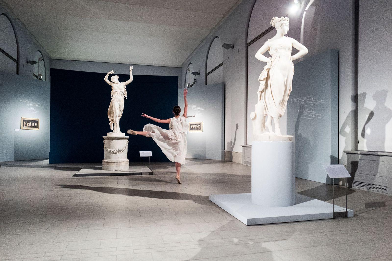"""Ein Highlight des Abends war der Tanz der """"echten"""" Tänzerin Alicia Ruben vom Staatsballett Berlin. Foto: Christoph Neumann, www.christoph-neumann.com"""