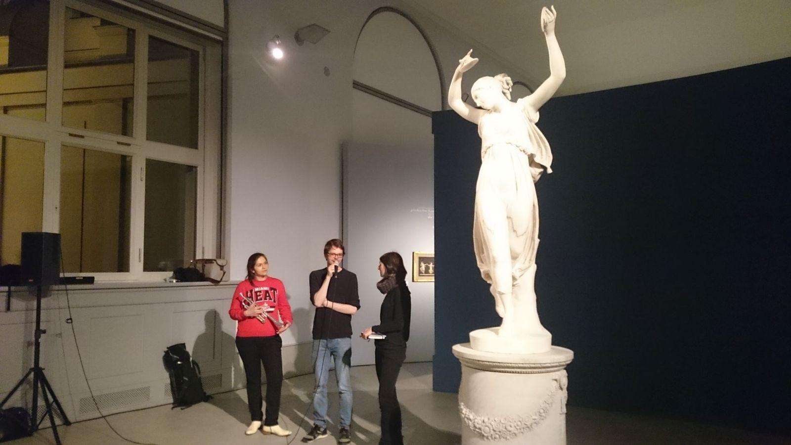 Michael Hoppe während des Vertonungsevents im Bode-Museum. Foto: Staatliche Museen zu Berlin, Anna Mosig