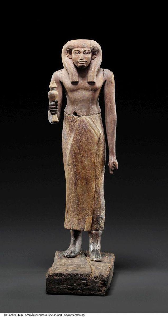 Statuette des Mentuhotep (Mittleres Reich, 2119 v. Chr. bis 1794 v. Chr., Theben-West© Staatliche Museen zu Berlin, Ägyptisches Museum und Papyrussammlung / S. Steiß