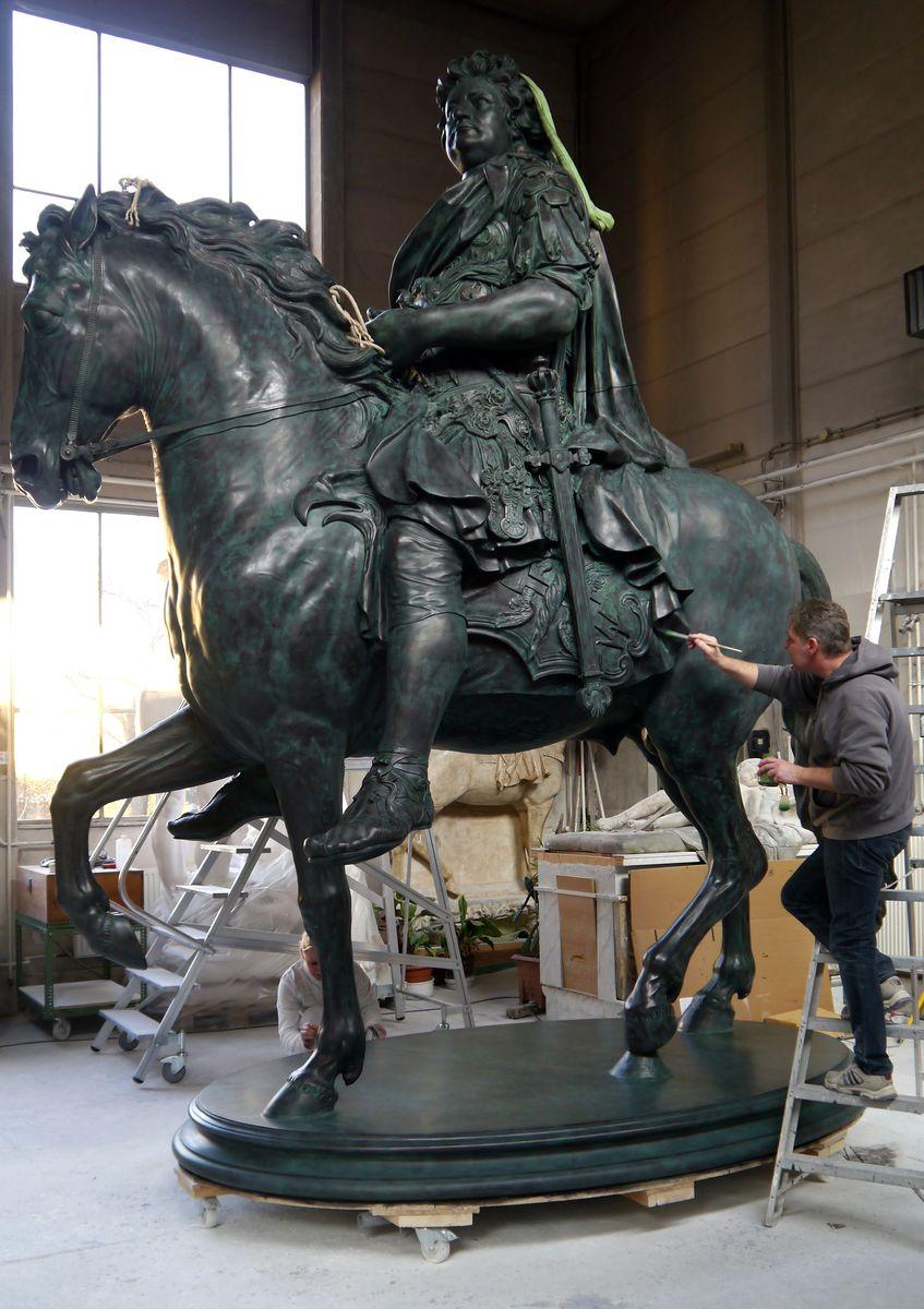 """Als letzten Schliff bekommt die Replik des """"Großen Kurfürsten"""" eine Bronzefassung © Staatliche Museen zu Berlin, Gipsformerei / Anna Mosig"""