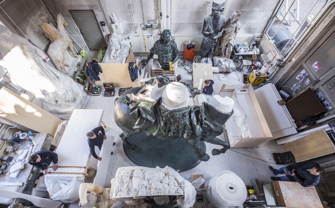 Die Teile der monumentalen Skulptur werden für den Transport einzeln verpackt © Staatliche Museen zu Berlin, Gipsformerei / David von Becker
