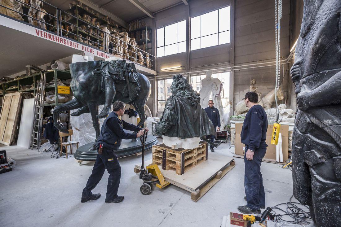 """Ein letzter Blick - der """"Große Kurfürst"""" darf erst im Museo Internacional del Barroco wieder auf sein Pferd steigen © Staatliche Museen zu Berlin, Gipsformerei / David von Becker"""
