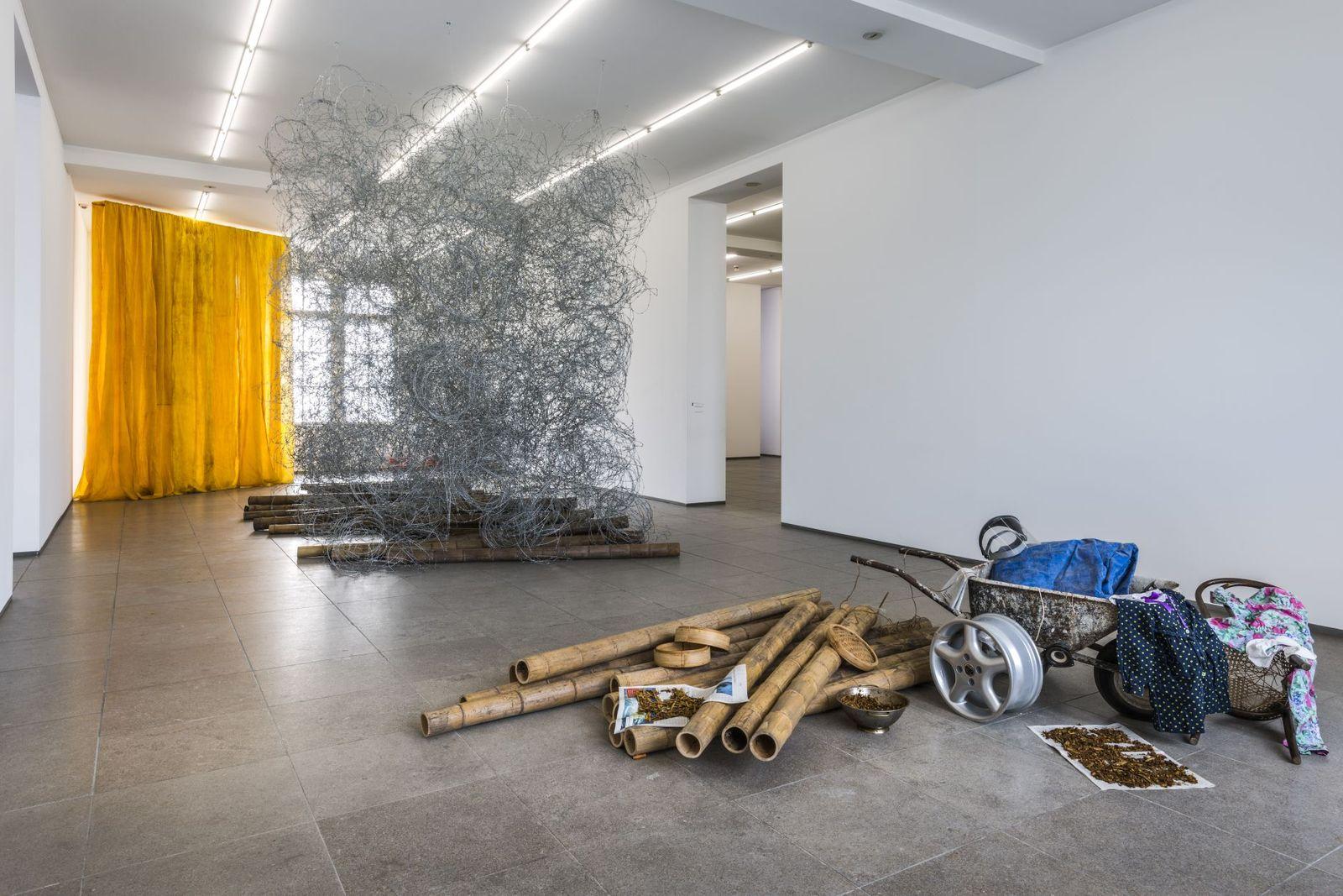 Qin Yufen: Making Paradise, 1996 – 2002  © Nationalgalerie im Hamburger Bahnhof, SMB, Eigentum des Landes Berlin / Jan Windszus VG Bild-Kunst Bonn, 2017