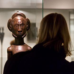 Männliche Ahnenfigur, Hemba (Demokratische Republik Kongo), 19. Jh.