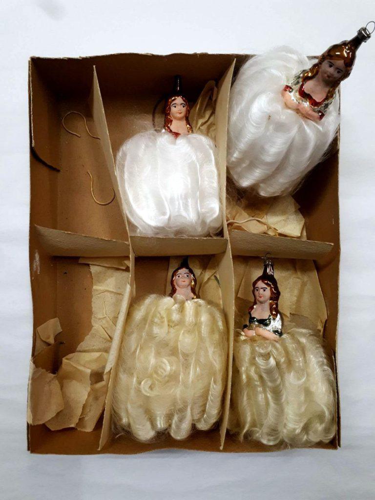 Rokoko-Dame, Glas, in die Form geblasen, verspiegelt, bemalt, Kleid aus versponnener Glasfaser, Höhe ca. 13 cm © Staatliche Museen zu Berlin, Museum Europäischer Kulturen / Maxie Kiwitter