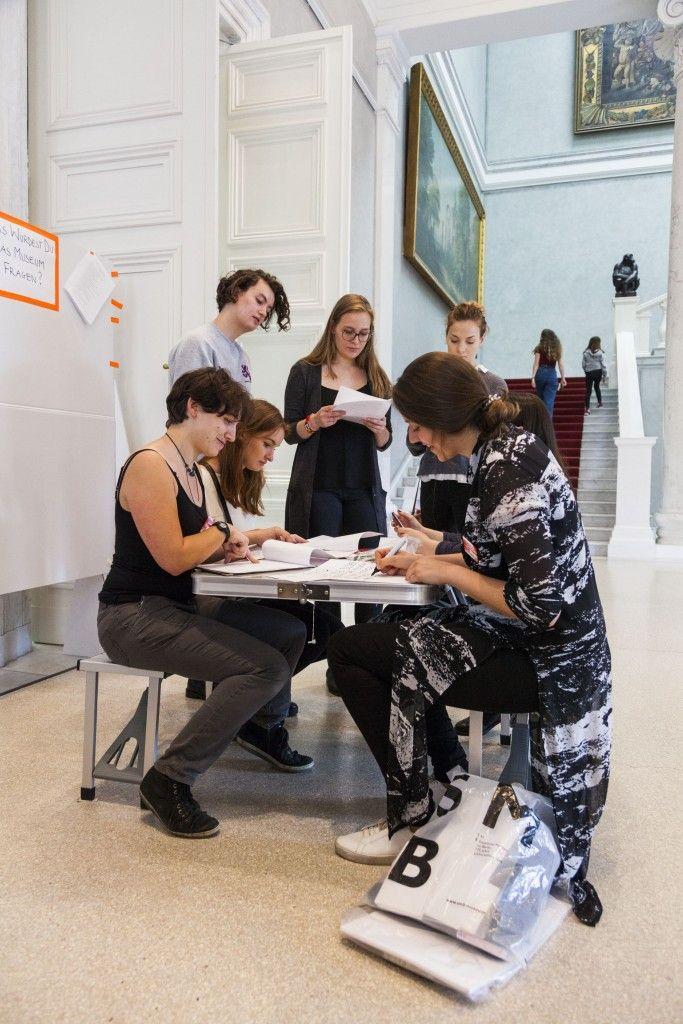 Aktiver Austausch in der Alten Nationlgalerie im Rahmen der Veranstaltung MEETING, Juli 2017. (c) Staatliche Museen zu Berlin, Valerie Schmidt