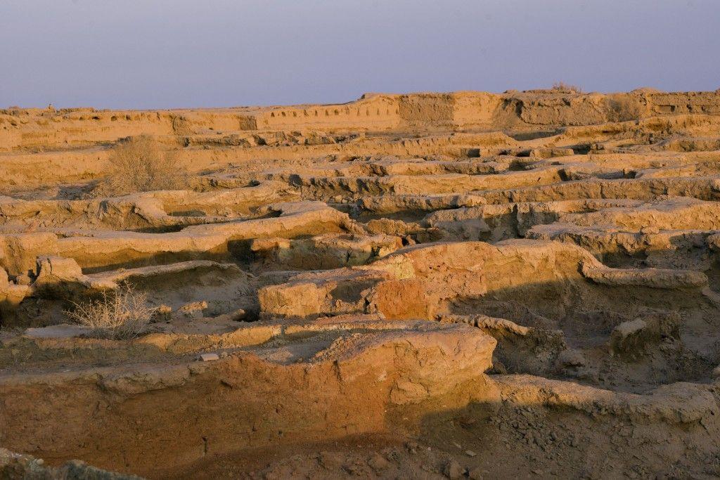 Blick auf die Grabungsstätte Gonur Depe, dem bronzezeitlichen Margiana. Foto: Herlinde Koelbl