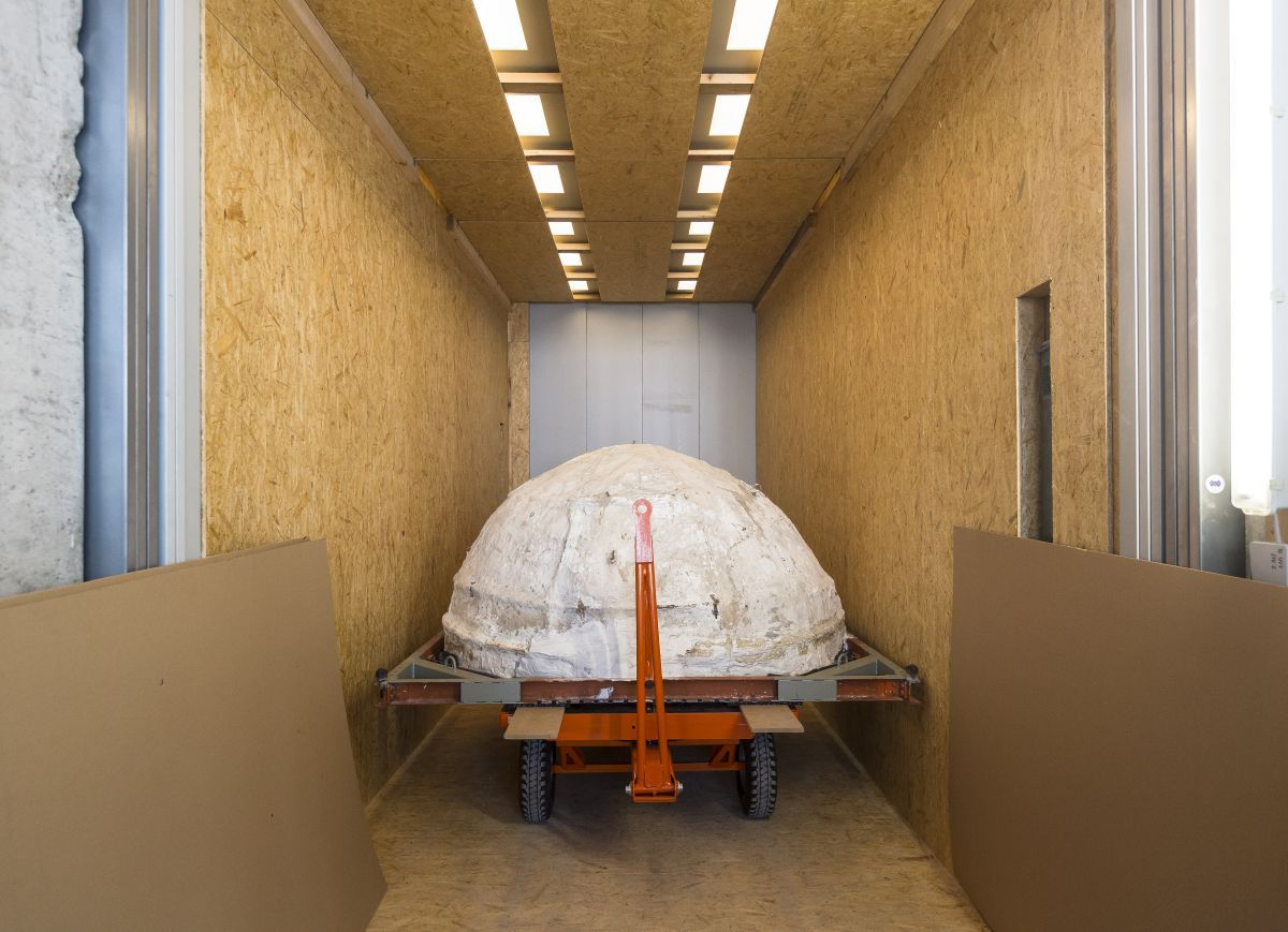 Die Kuppel der Höhle im Aufzug des Humboldt Forums © Staatliche Museen zu Berlin / David von Becker