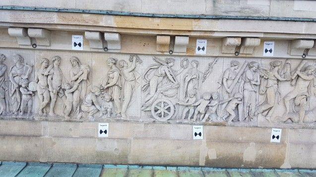 Das Attika-Relief auf dem Brandenburger Tor wird in situ gescannt (c) Staatliche Museen zu Berlin, Gipsformerei