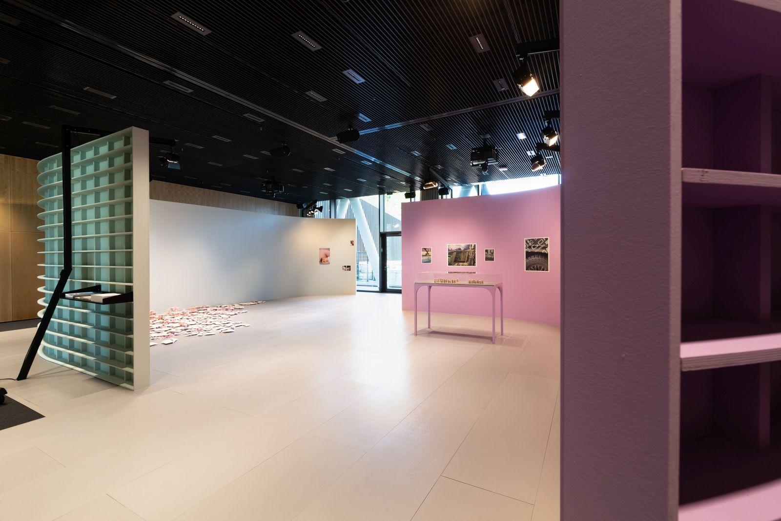 Rundgang 50Hertz, Ausstellungsansicht, 2018  © Nationalgalerie – Staatliche Museen zu Berlin / Foto: André Wunstorf