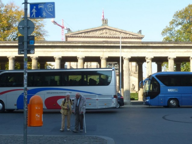 Bus-Chaos auf der Museumsinsel. Foto: Anke Weber