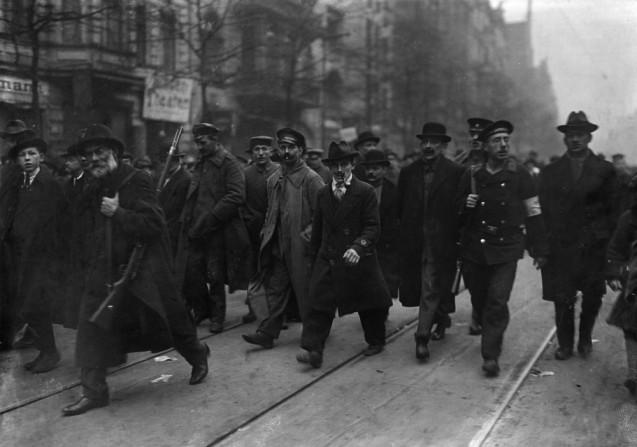 Im Januar 1919 kommt es zur Konfrontation zwischen den linken