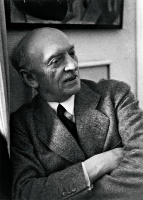 Emil Nolde in München, Januar/Februar 1937. Foto von Helga Fietz, der Ehefrau von Noldes Münchner Kunsthändler Günther Franke. Nolde Stiftung Seebüll © Nolde Stiftung Seebüll