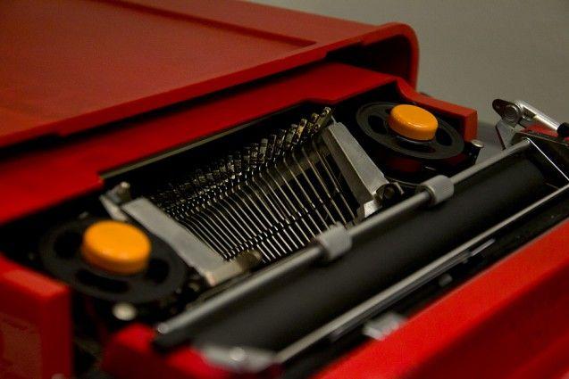 Reiseschreibmaschine Valentine von Ettore Sottsass und Perry King für Olivetti, 1969. Foto: Fabian Fröhlich