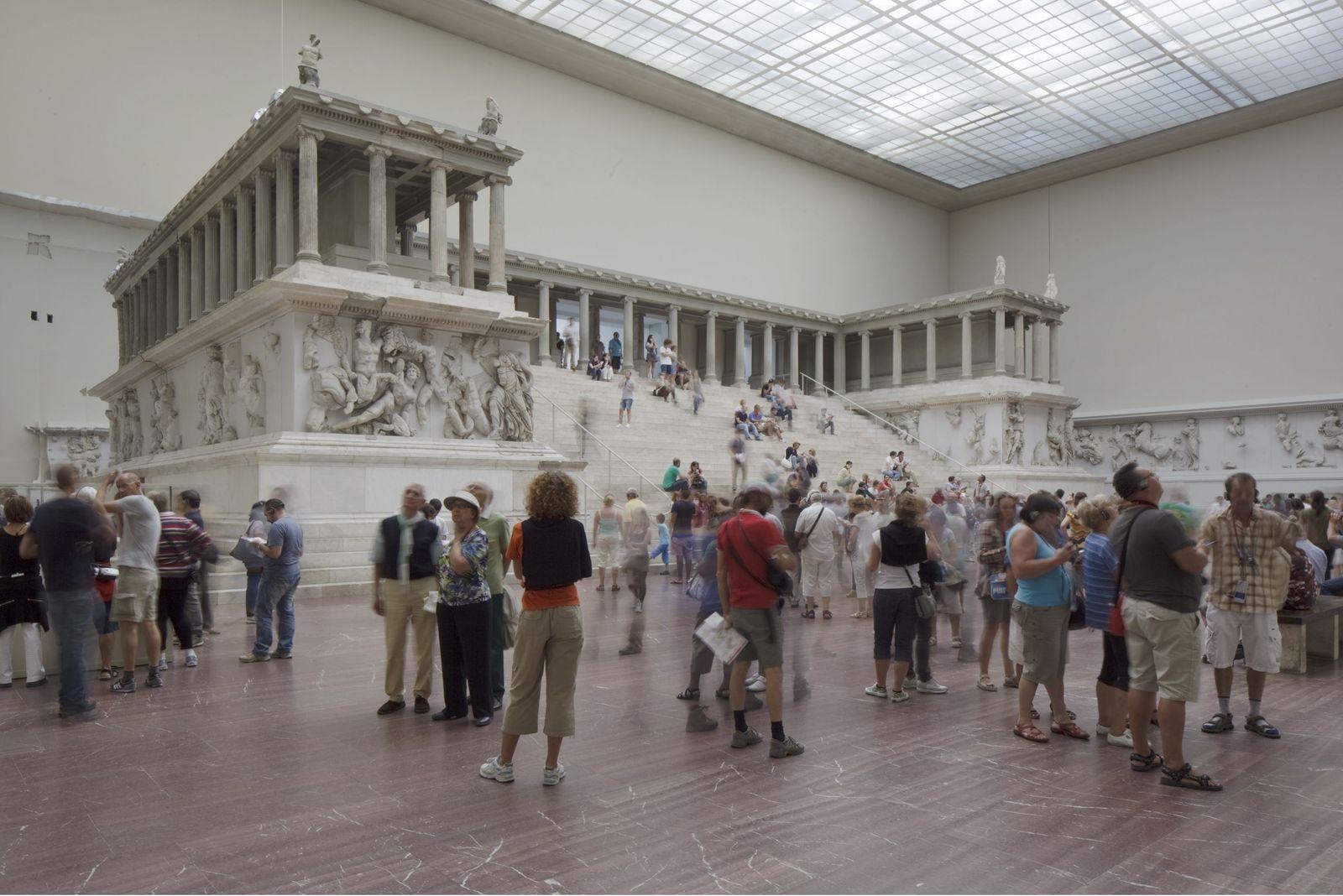 Der Pergamonaltar vor Beginn der Bauarbeiten. Foto: Peter Thieme