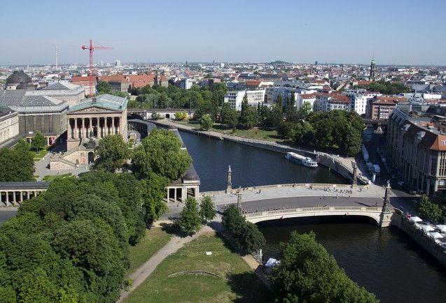 Blick vom Dom auf die Alte Nationalgalerie