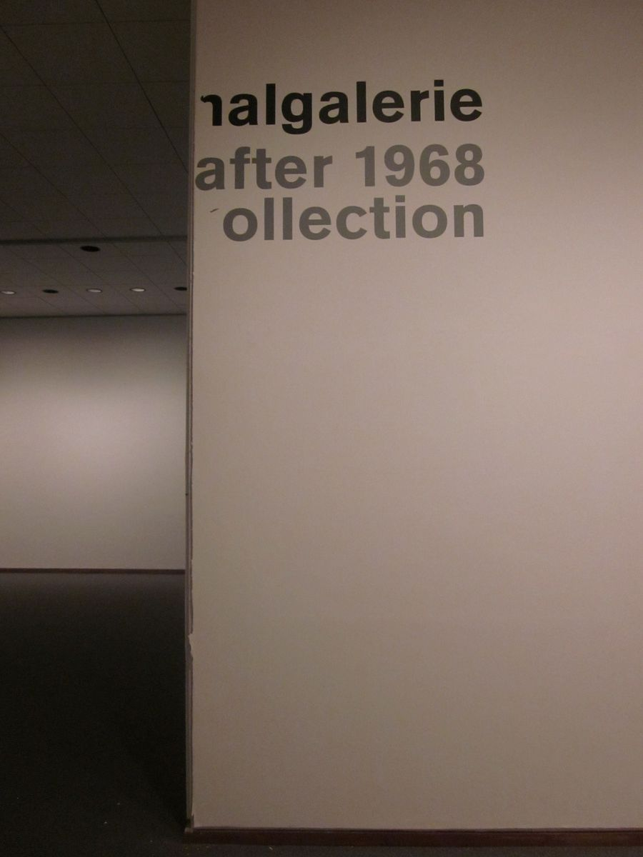 Nur ein paar Überreste von vergangenen Ausstellungen sind noch zu finden.