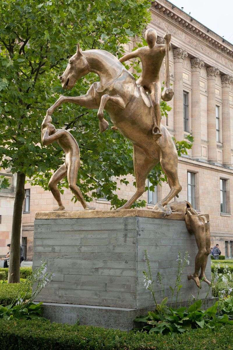 Atelier Van Lieshout: The Monument © Atelier Van Lieshout, Kolonnadenhof, Nationalgalerie – Staatliche Museen zu Berlin / Thomas Bruns
