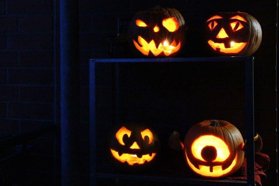 Kürbislaternen zu Halloween. Foto: Anna Mosig