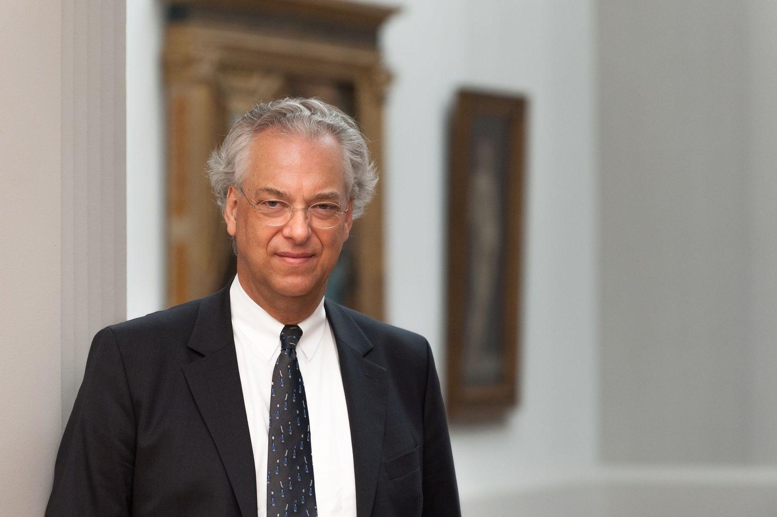 Michael Eissenhauer, Generaldirektor der Staatlichen Museen zu Berlin, in der Gemäldegalerie. Foto: Achim Kleuker