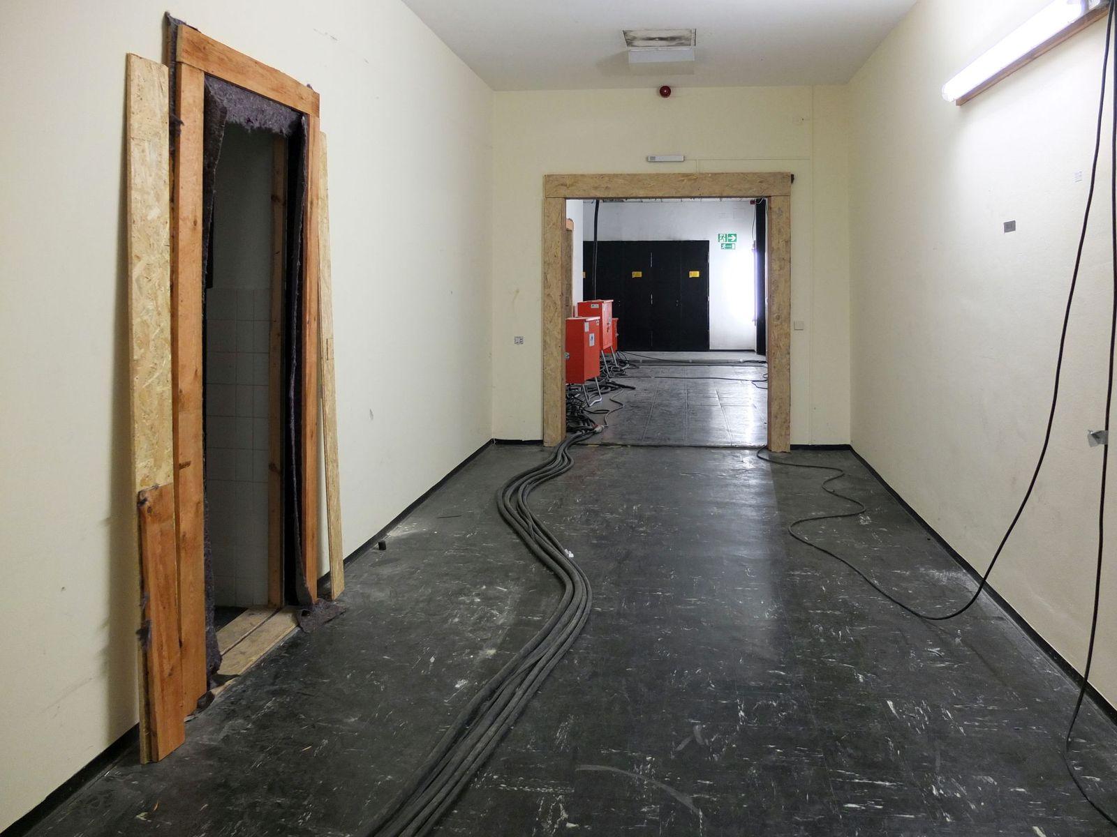 Flur im Untergeschoss der Neuen Nationalgalerie. Foto: schmedding.vonmarlin