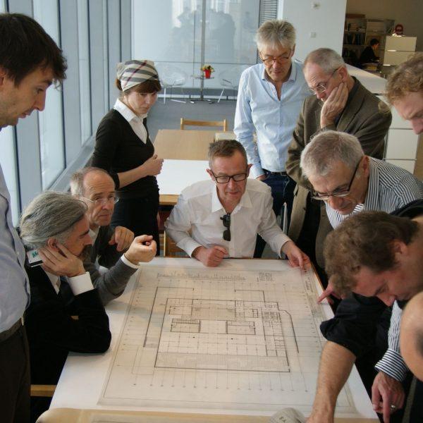 Das Projektteam studierte Originalpläne von Mies im Archiv des MoMA in New York. © David Chipperfield Architects