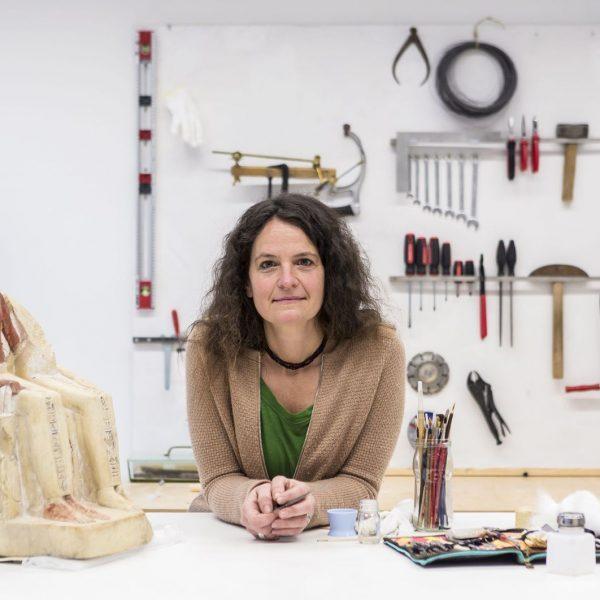 Pia Lehmann, Restauratorin im Ägyptischen Museum und Papyrussammlung. © Staatliche Museen zu Berlin / David von Becker