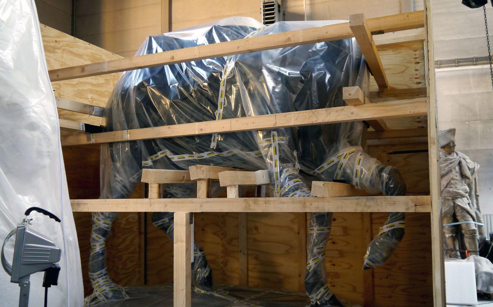 Der Rumpf des Pferdes in der Holzkiste © Staatliche Museen zu Berlin, Gipsformerei / Anna Mosig