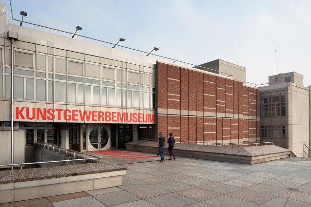 Eingang zum Kunstgewerbemuseum am Kulturforum