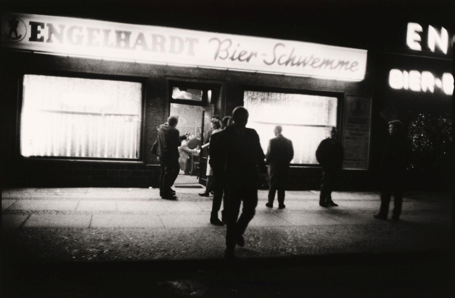 Bernard Larsson: Moabit 23 Uhr, Westberlin, 1964 © bpk / Kunstbibliothek, Staatliche Museen zu Berlin / Bernard Larsson