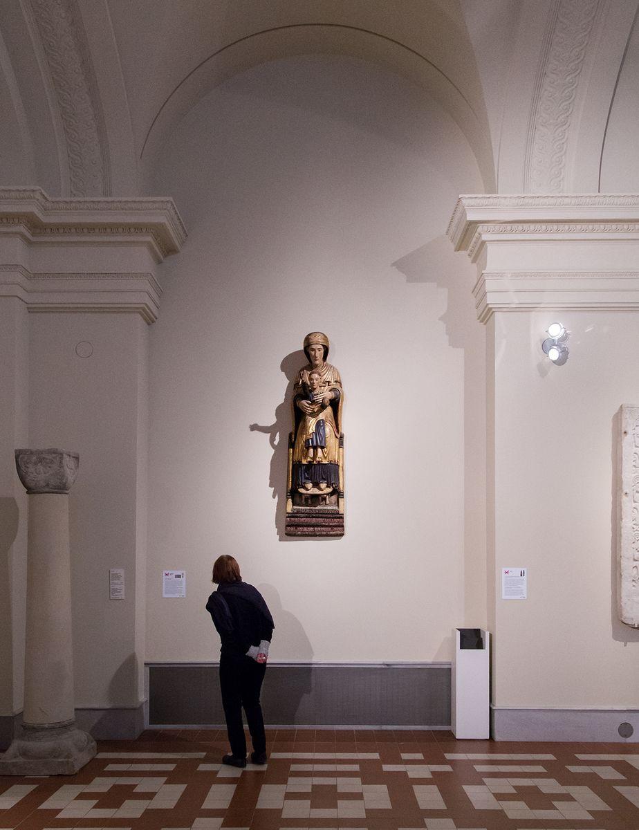 Unvergleichlich: Kunst aus Afrika im Bode-Museum. Thronende Muttergottes, Presbyter Martinus, Toskana (Italien), 1199